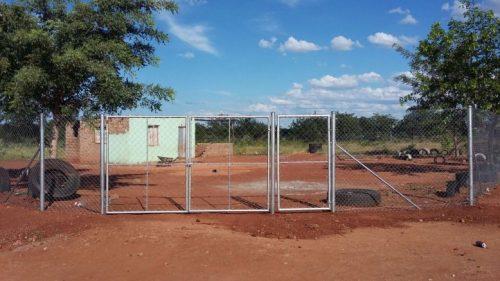 Bambanani laat eerste 11 scholen los