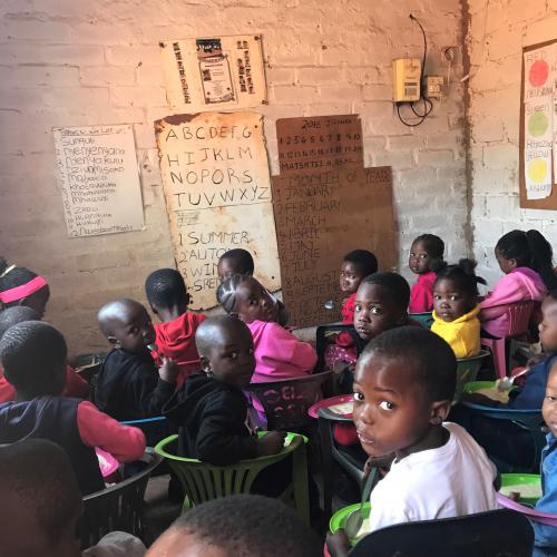 47 kinderen in een vierpersoons woning…